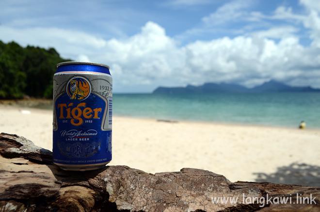 ビーチでタイガービール!