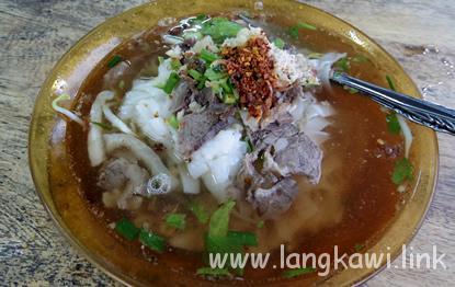クェッティオ スープ プルッ(Kuey Teow Sup Perut)
