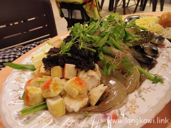 真夏の国で食べる鍋も美味しい!スチームボートのあるタイ料理レストラン