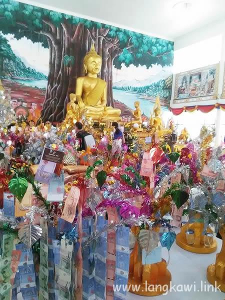 ランカウイの知る人ぞ知る、タイテンプルのセレモニー Wat Koh Wanararm Langkawi
